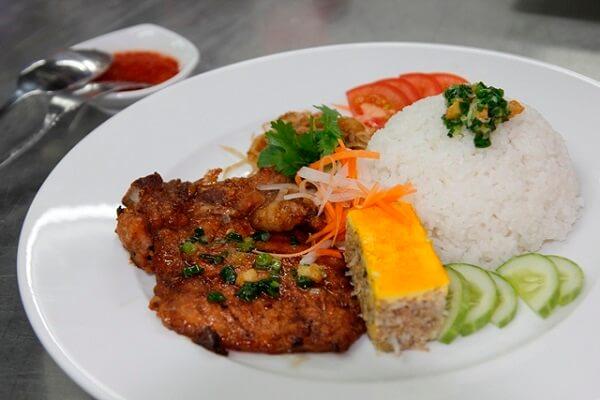 Quán Cơm Quang Oanh