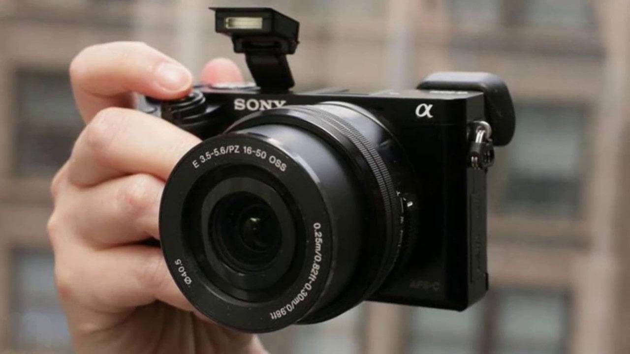 Camera Văn Ba